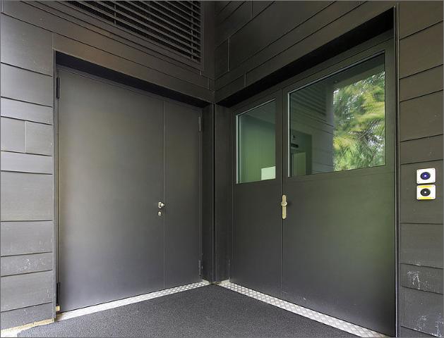 ståldörrar och stålfönster